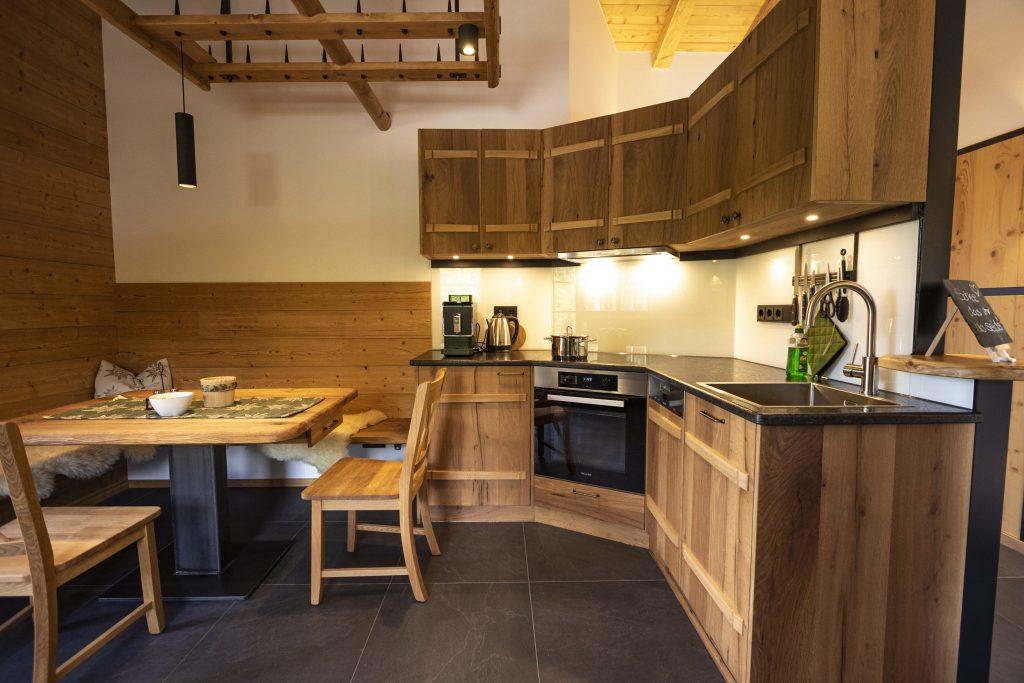 Küche mit Teil der Eckbank