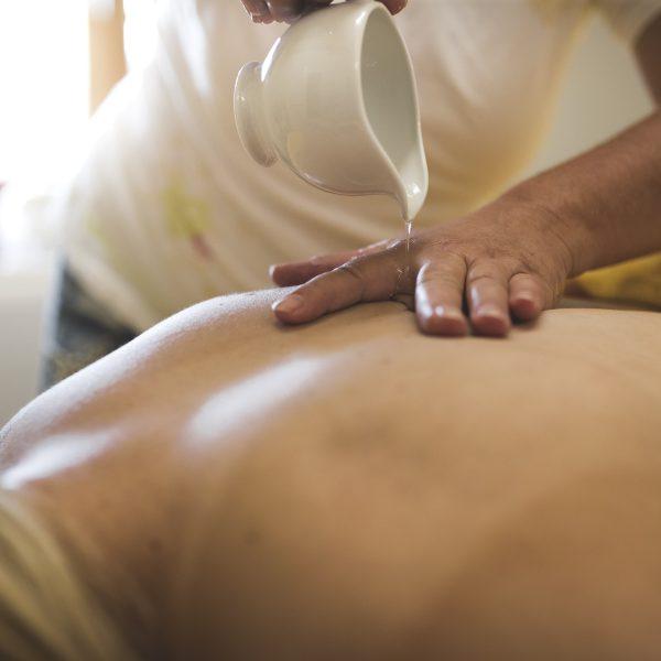 Aroma- Enstspannungsmassage, Rücken, Öl