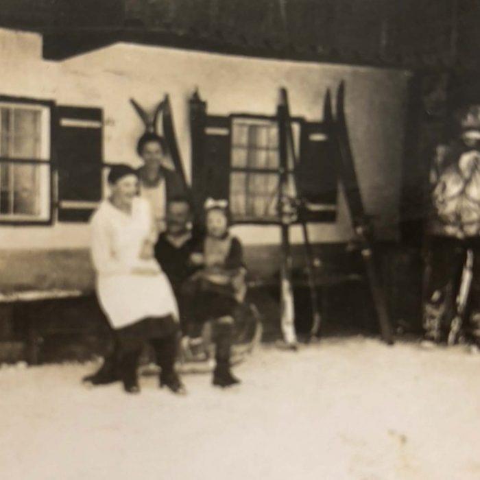 Bildmotiv: Altes schwarz weiß Bild der Familie Beer
