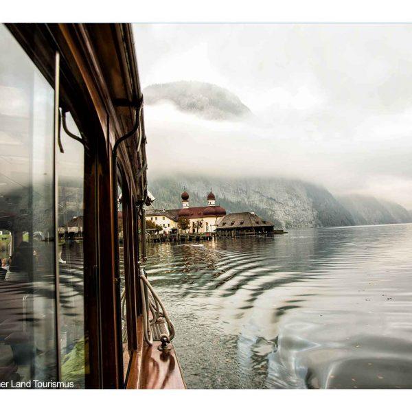 Bildmotiv: Schiff und Sankt Bartholomä